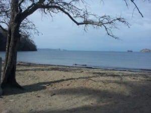 Beach Pajaros paquera Costa Rica
