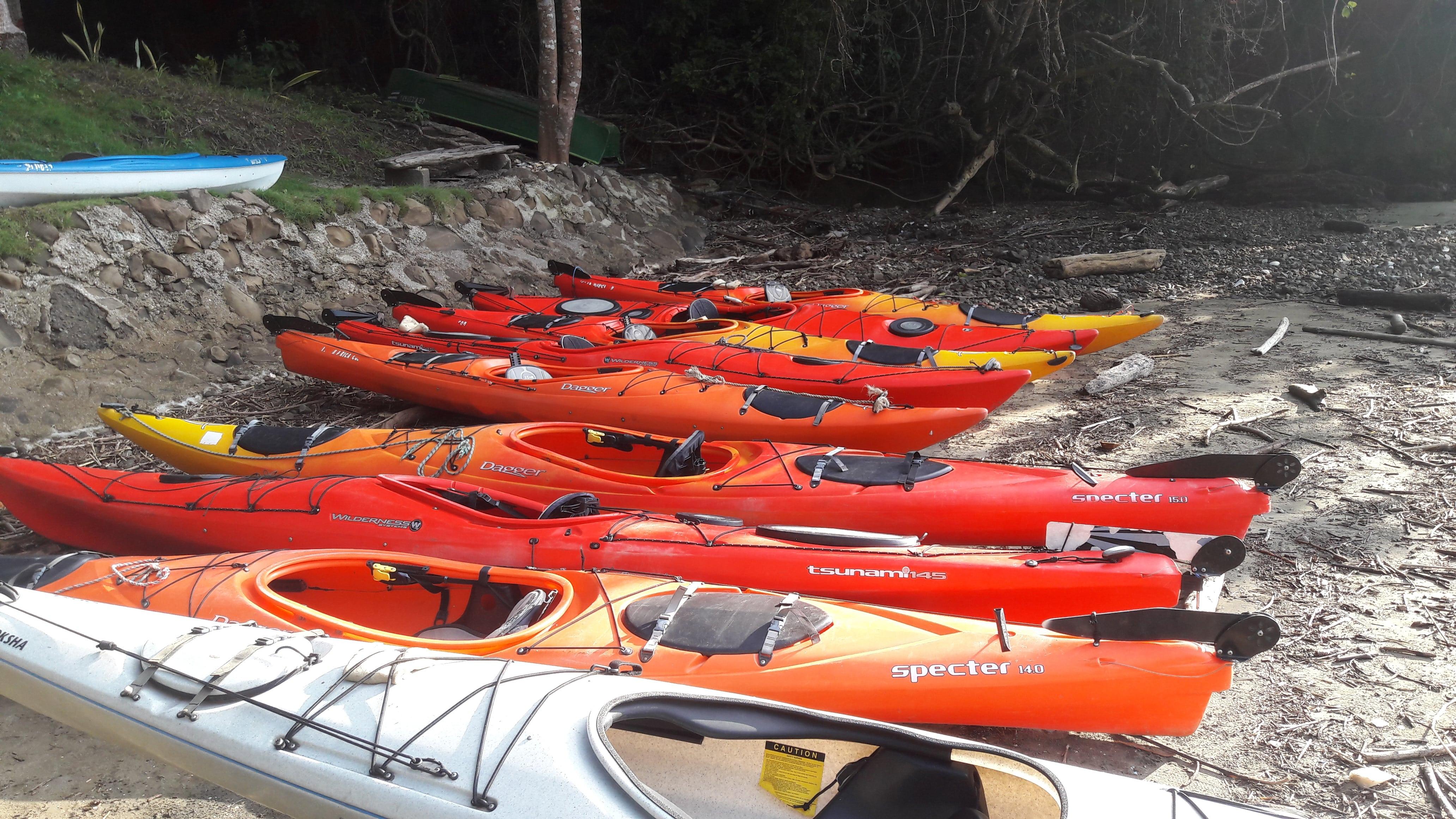 Kayaking Pacific Of Costa Rica